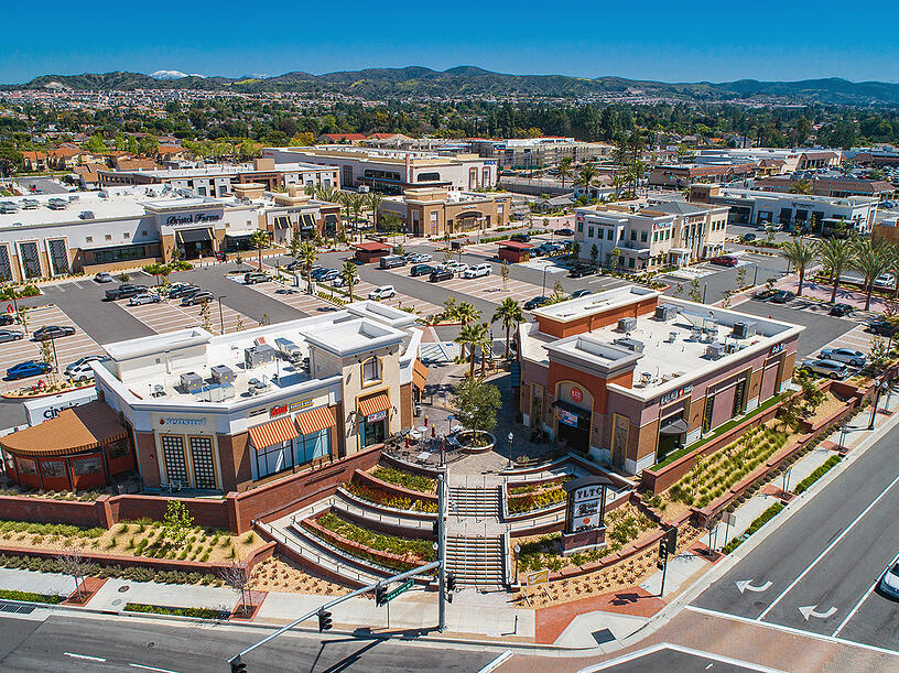 Landscape design adds to California retail center.